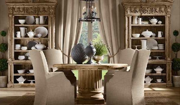 originelle-esszimmer-deko-elegante-weiße-stühle