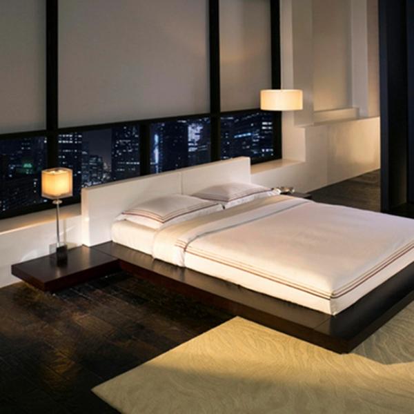 originelle-schlafzimmer-ideen-weißes-bett-weiße-jalousien