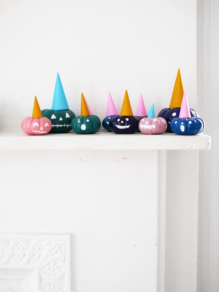 party dekoration selber machen, halloween deko aus mini kürbissen, halloween dekoideen