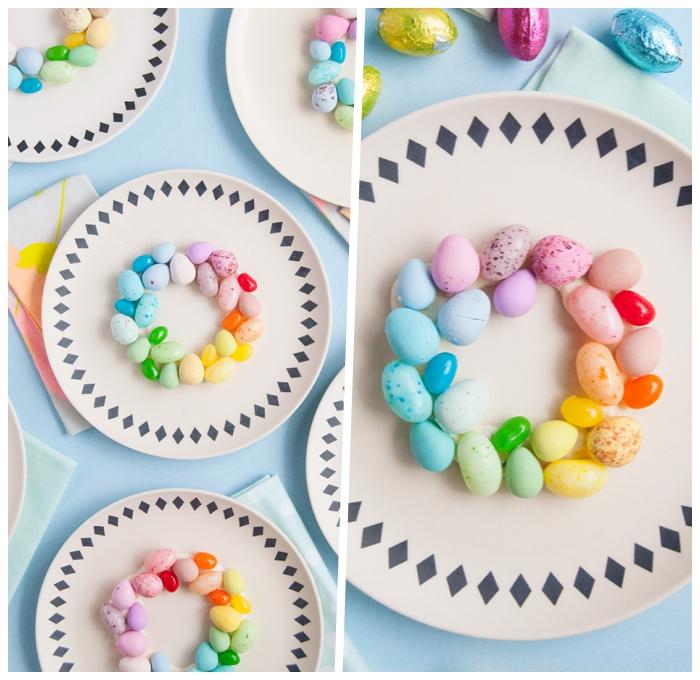 partydekoration ideen, tellerdeko zum odern, tisch dekorieren, kranz aus eiern und weißer schokolade