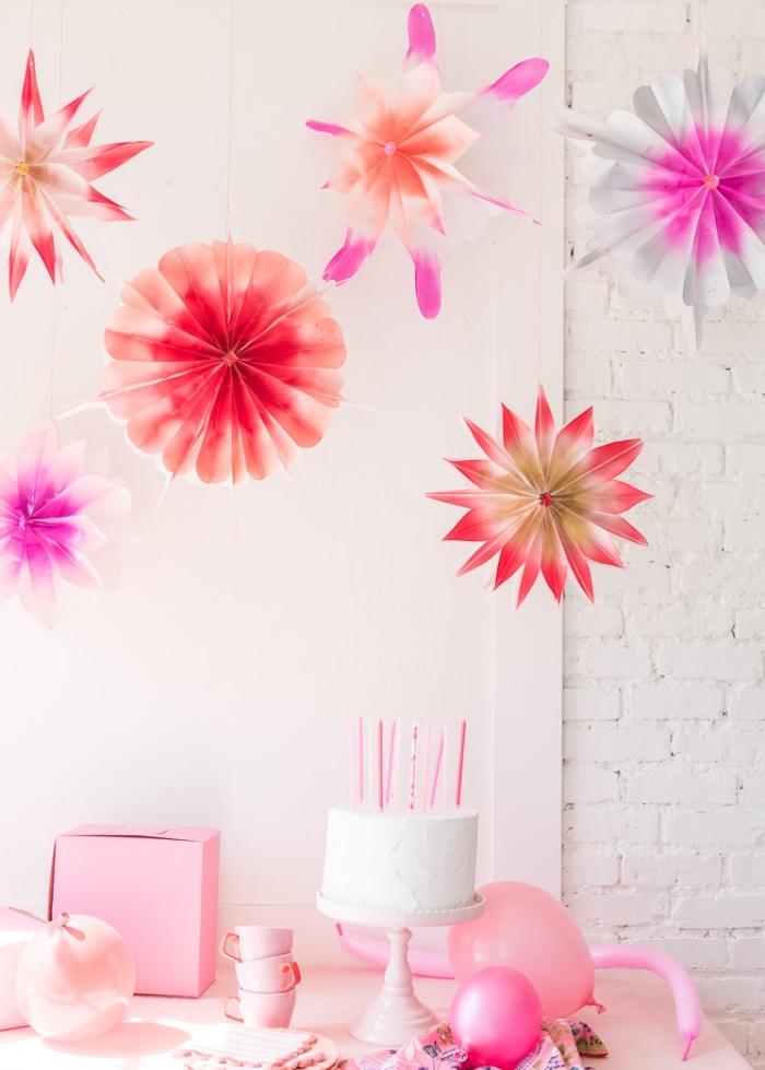 pink deko für party, rosa partydeko aus papier, geburtstagsparty dekoration ideen
