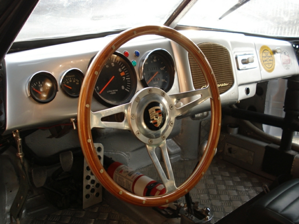 porsche-interieur-cooles-retro-design