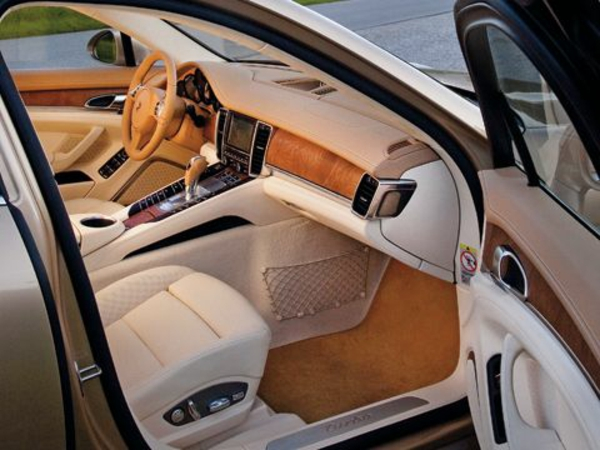 porsche-interieur-super-cool