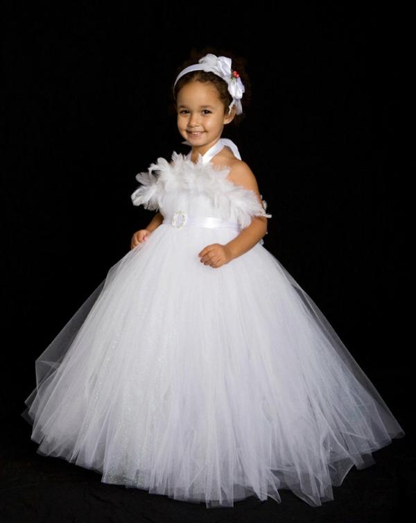 prinzessin-kostüm-für-kind-herrliches-modell-vom-weißen-kleid