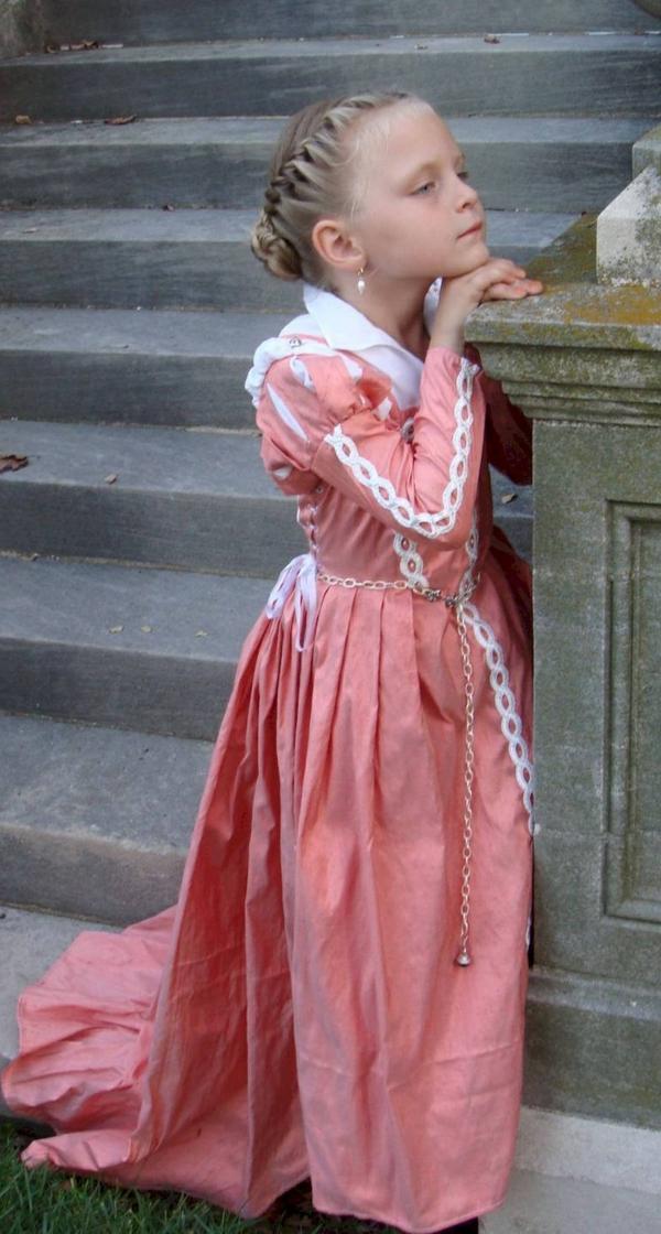 prinzessin-kostüm-für-kind-rosiges-schönes-kleid