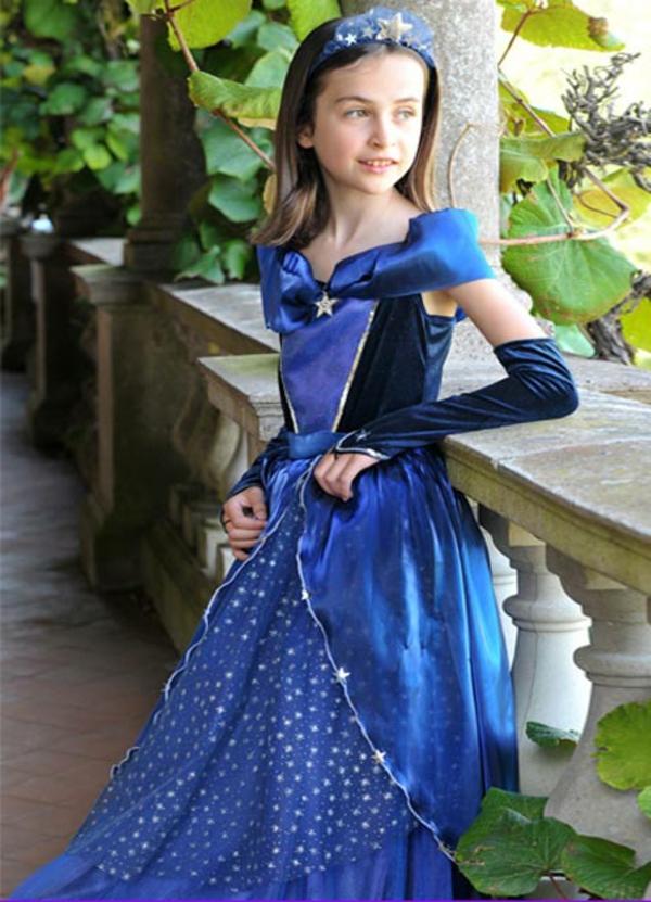 prinzessin-kostüm-für-kind-sehr-elegantes-design-in-blauen-farbschemen