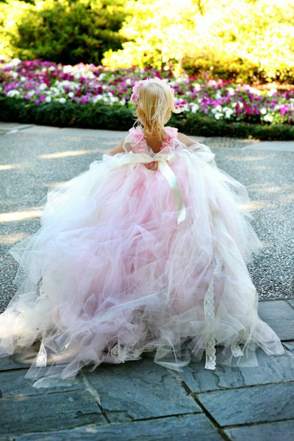 prinzessin-kostüm-für-kind-wunderschönes-rosiges-kleid