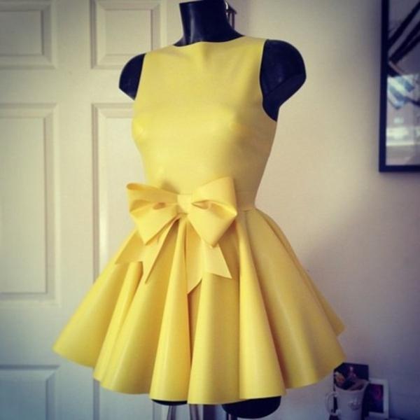 super-tolles-gelbes-kleid