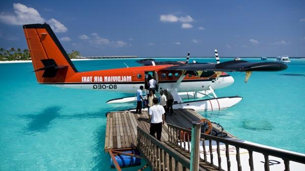 reise-malediven-reise-malediven-urlaub-malediven-reisen-flugzeuge