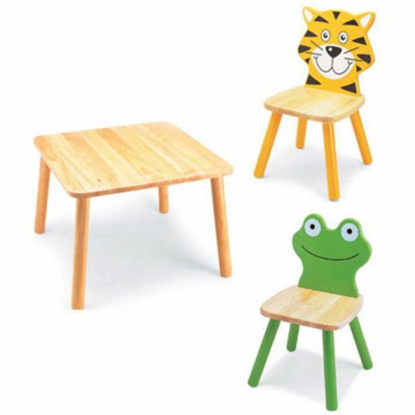 süße-möbel-für-kinder-tisch-und-stühle