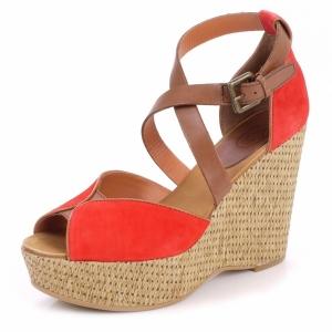 Sandalen mit Keilabsatz - modern und komfortabel!