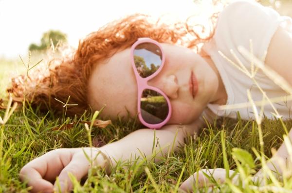 schöne-sonnenbrille-designer-sonnenbrillen-moderne-trends-kinder-sonnenbrille-kinder-sonnenbrillen