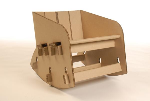 schaukelstuhl-aus-pappe-karton-pappe-pappe-möbel-sofa-aus-pappe-
