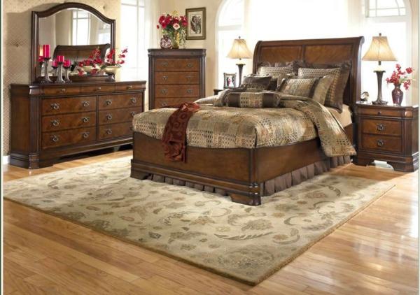 schlafzimmer-großes-bett-echholz-braune-farbe