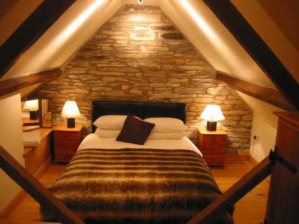 Dachschräge Mit Dachfenstern Schlafzimmer Wandgestaltung Dunkler