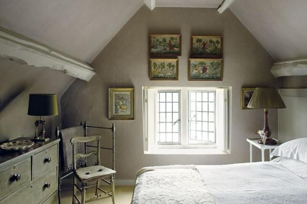 schlafzimmer-mit-dachschräge-einfach-und-schön
