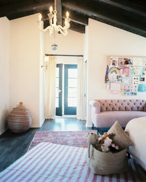 schlafzimmer-mit-dachschräge-super-tolles-aussehen