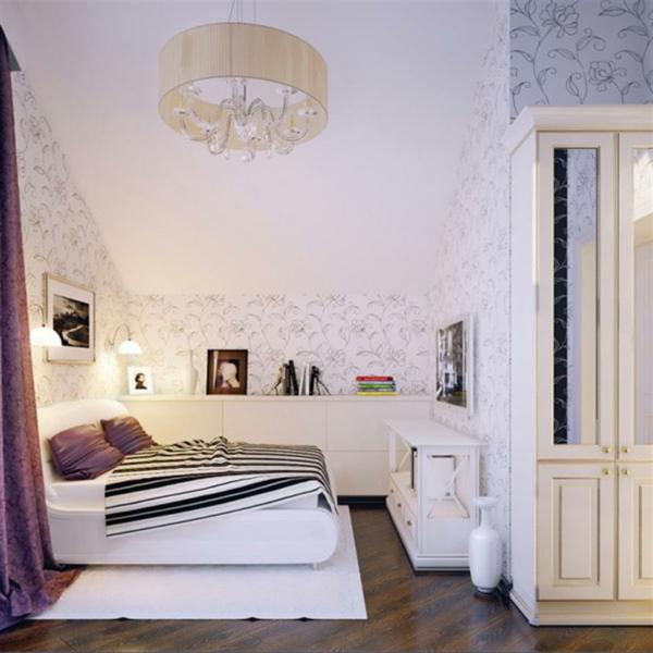 schlafzimmer-mit-dachschräge-weißes-interieur-sehr-schön