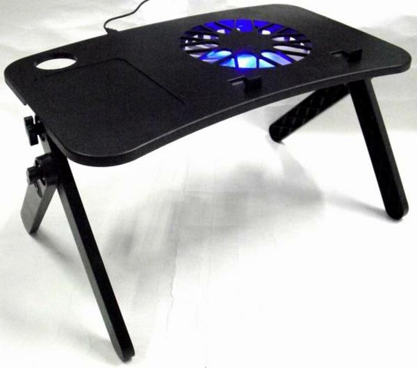 schwarzes-modell-vom-notebook-tisch-sehr-modern