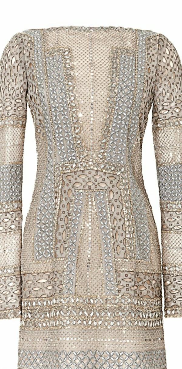 schweres-wulstiges-Kleid