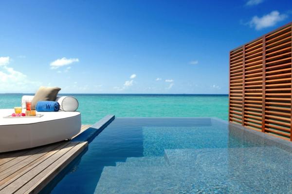 schwimmbecken-infinity_pool-urlaub-malediven-reisen- malediven-reise-ideen-für-reisen
