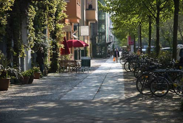 sehr-schöner-park-in-berlin-in-frühling