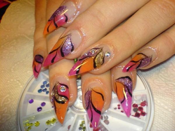 sommer-nageldesign-bunte-farben