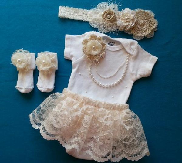sommerkleider--babymode-baby-kleidung-babykleider-schönes-design