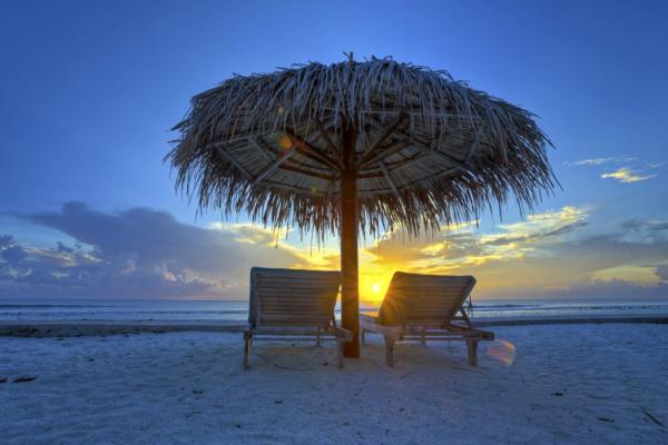 sonnenuntergang-urlaub-malediven-reisen- malediven-reise-ideen-für-reisen-Urlaub auf den Malediven