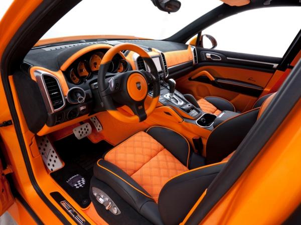 super-schönes-porsche-interieur-orange-und-graue-farbe