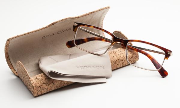 tolles-design_-moderne-trendige-elegante-modelle-designer-brillen
