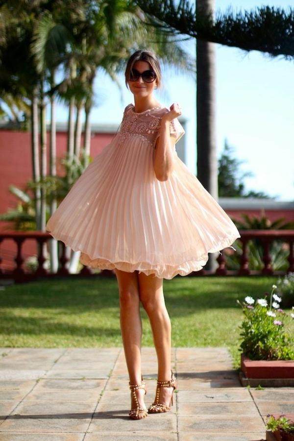 tortenförmiges-Cocktail-Kleid