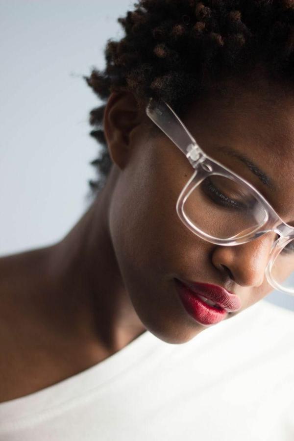 trendige-brillen-online-kaufen-brille-kaufen-modische-brillen-durchsichtiges-brillengestell