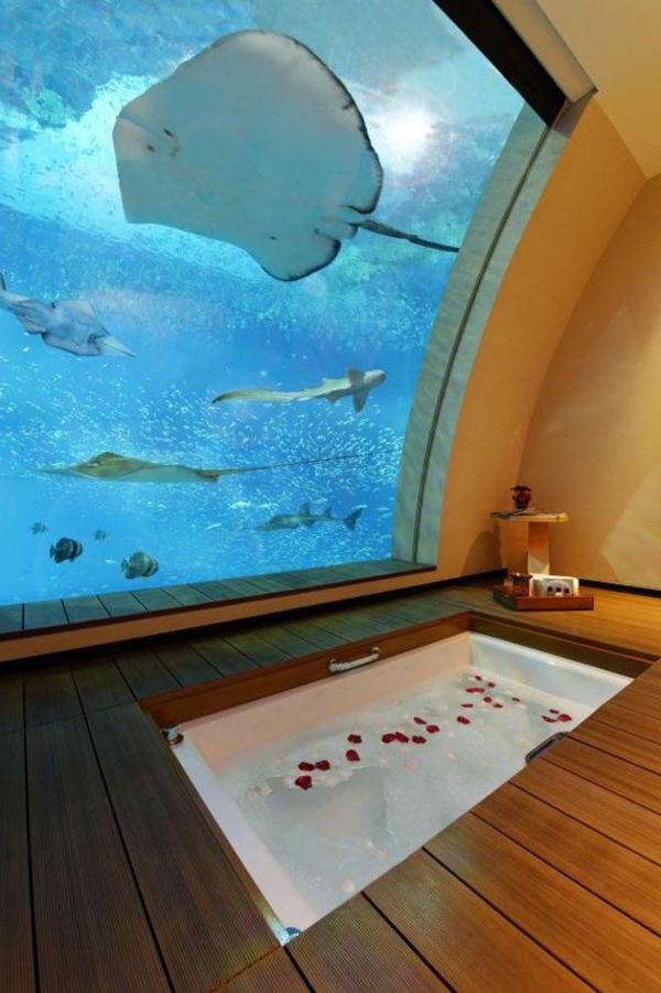 unikales-bad-mit-badewanne-urlaub-malediven-reisen- malediven-reise-ideen-für-reisen