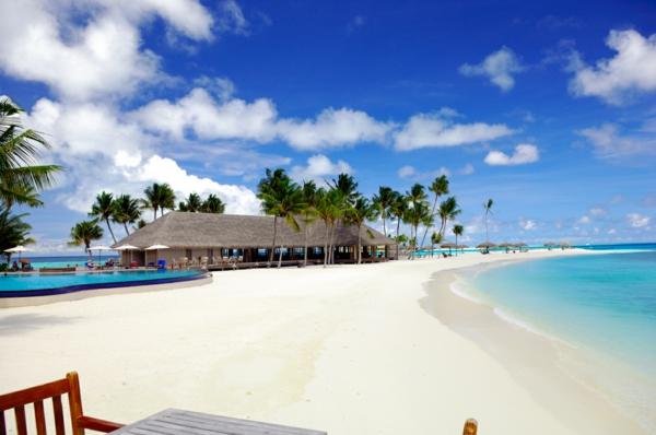 urlaub-malediven-reisen- malediven-reise-ideen-für-reisen-weiße-strände Urlaub auf den Malediven