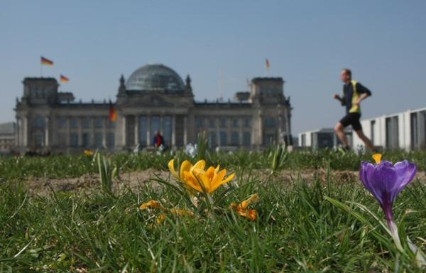 warmes-grünes-wetter-in-berlin-sehr-schönes-foto