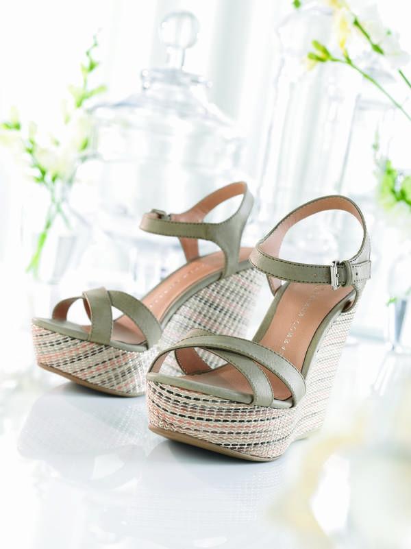 wedges-schuhe-keilabsatz-schuhe-mit-absatz-sandalen-in-beige