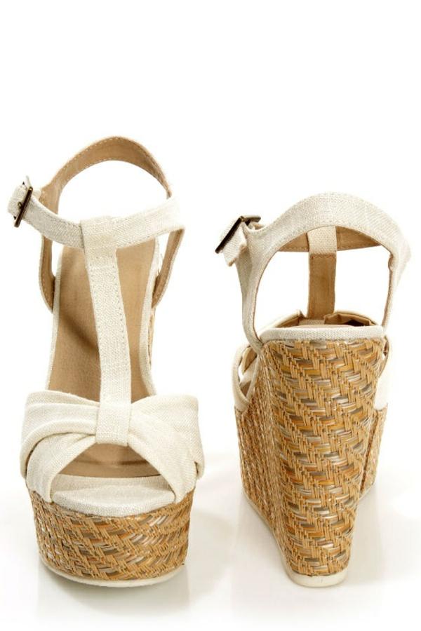 sandalen mit keilabsatz modern und komfortabel. Black Bedroom Furniture Sets. Home Design Ideas