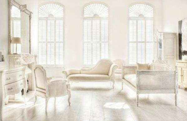 weißes-interieur-drei-große-fenster