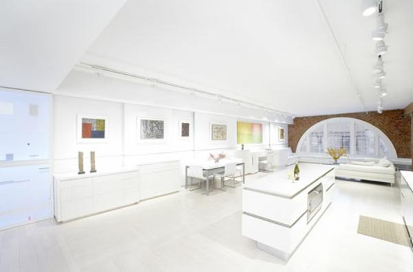 weißes-interieur-modern-und-kreativ-gestaltet