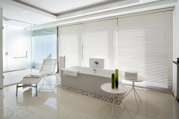 weißes-interieur-modernes-wohnzimmer