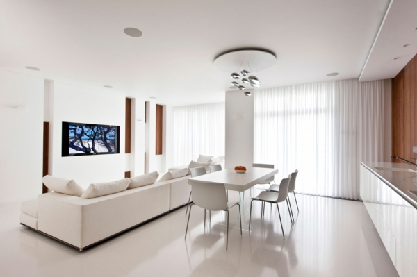 weißes-interieur-super-großer-innenraum