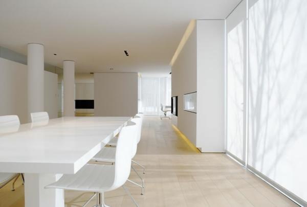 weißes-interieur-ultramodernes-esszimmer