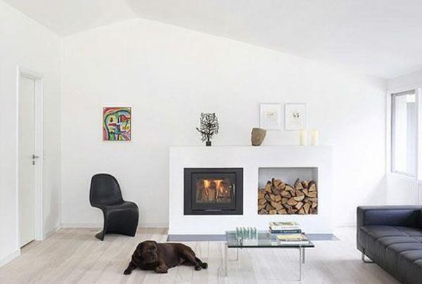 weißes-interieur-wohnzimmer-mit-einem-kamin