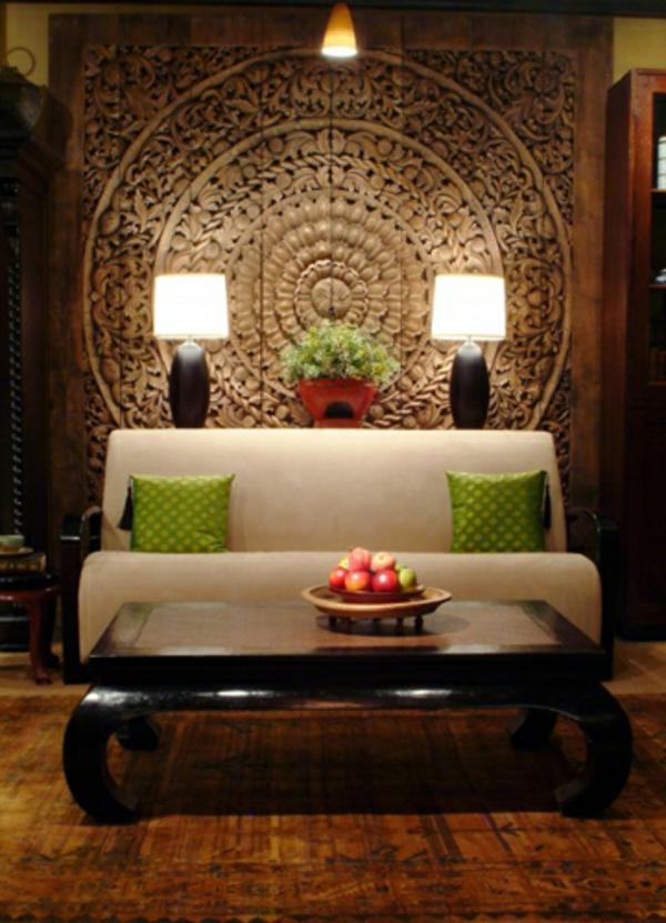 Weisses Elegantes Sofa Im Asiatischen Wohnzimmer
