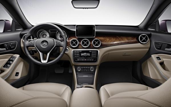 wunderschönes-auto-a-klasse-interieur