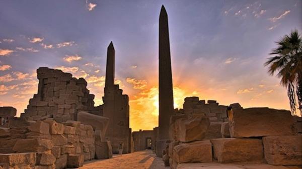 Ägypten-Reise-foto-in-der-nacht-genommen - sehr kreatives foto