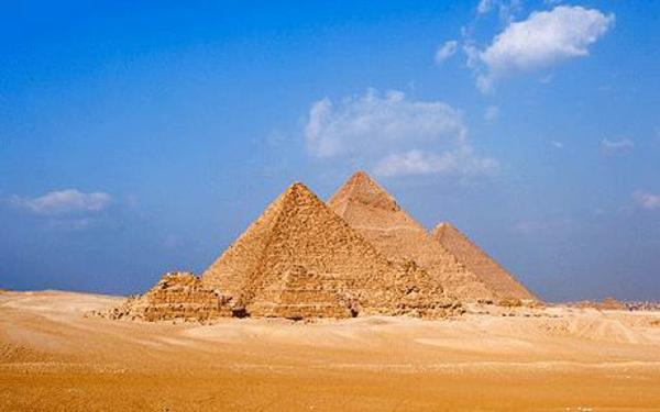 Ägypten-Reise-pyramiden-sehr-schönes bild