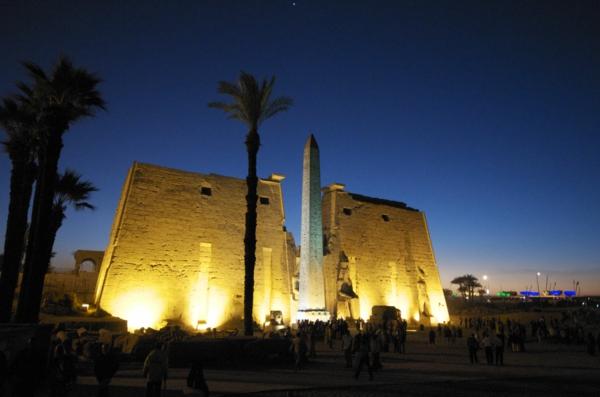 Ägypten-Reise-super-schönes-bild-dunkle-nacht - gemacht