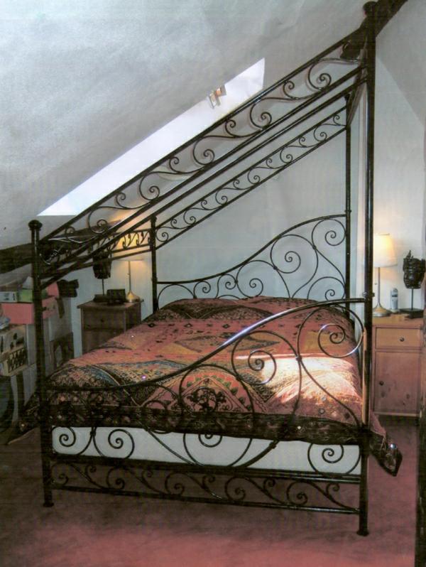 Bett-Dachschräge-Indien-Stil
